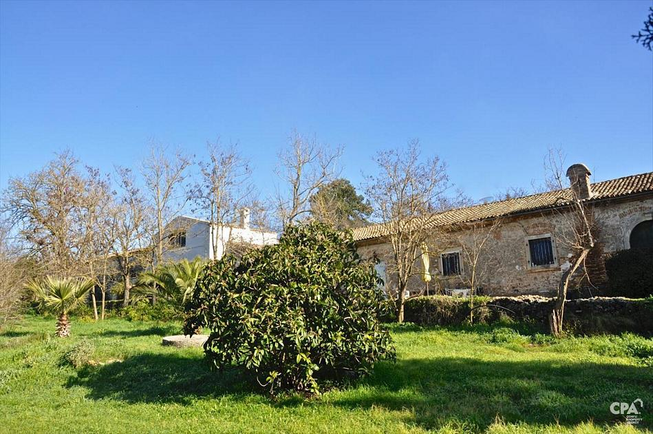 Large, historical estate for sale in Temploni, central Corfu